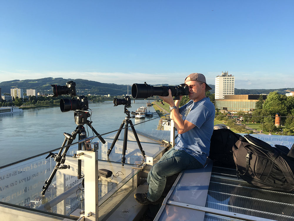 lentos-roof-shooting towards ARS Electronica